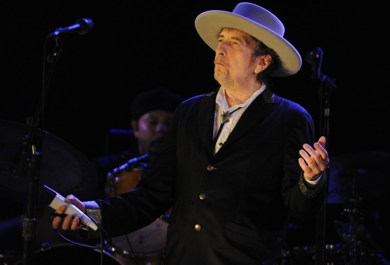 Bob Dylan wrote lyrics for a new Poo Bear song