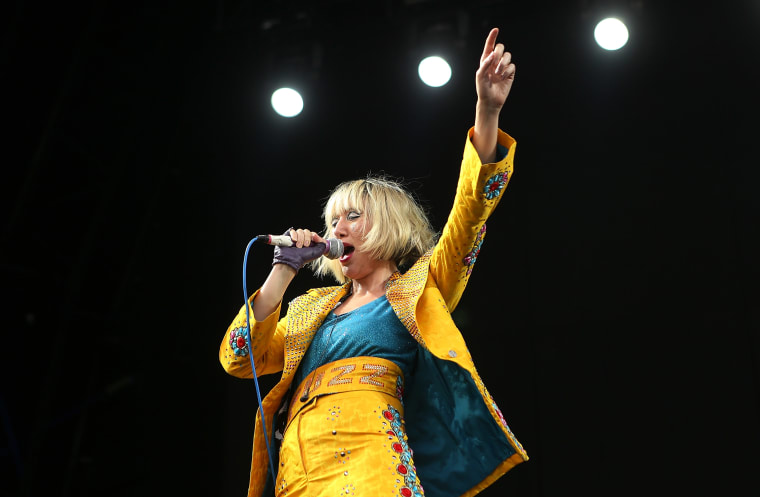 "Listen to Yeah Yeah Yeahs cover Big Star's ""Thirteen"""