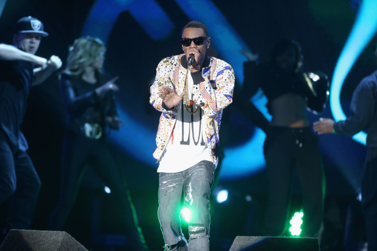 "Soulja Boy to Ariana Grande: ""Stop stealing my swag."""