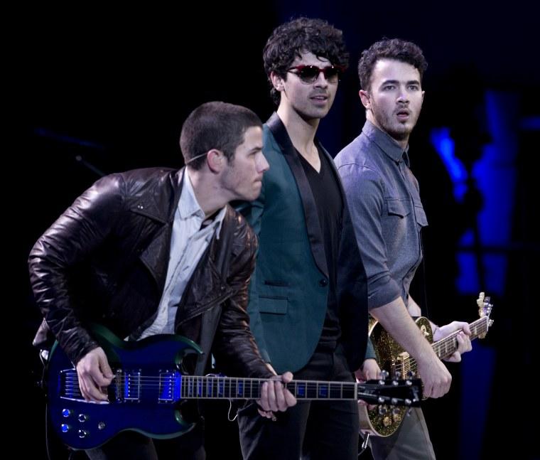 "Hear the Jonas Brothers' comeback single ""Sucker"""