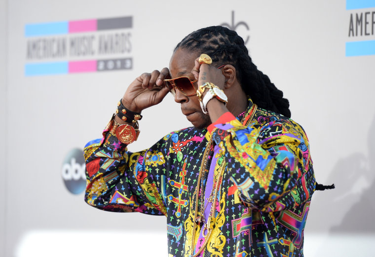 """2 Chainz shares new songs; hear """"Hot Wings"""" and """"Girl's Best Friend"""" now"""
