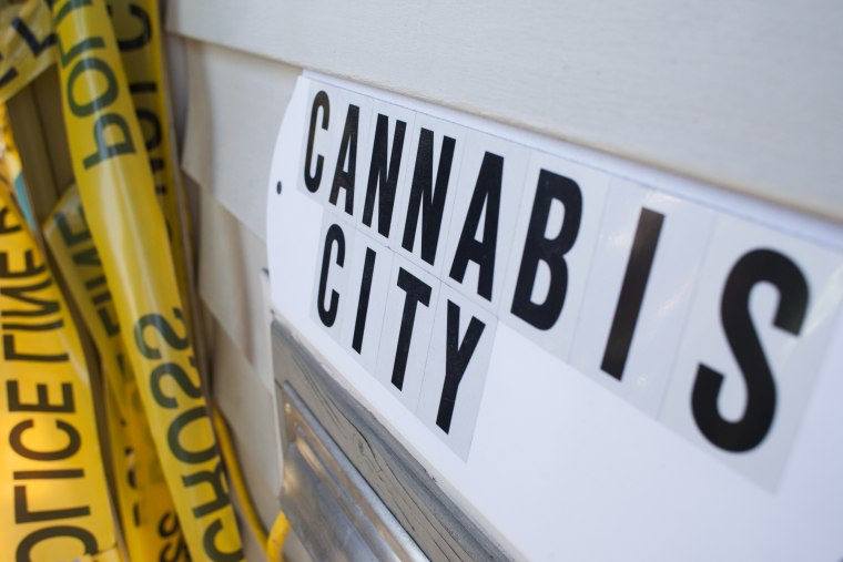 Seattle announces plan to vacate old marijuana convictions