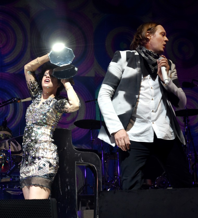 "Listen to Arcade Fire's new carnival track ""Ann Ale!"""
