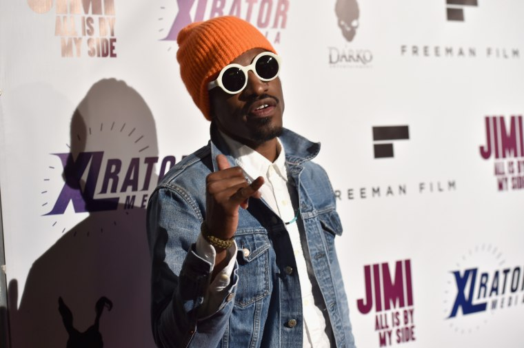 I like the way you flute: André 3000 is fluting across America