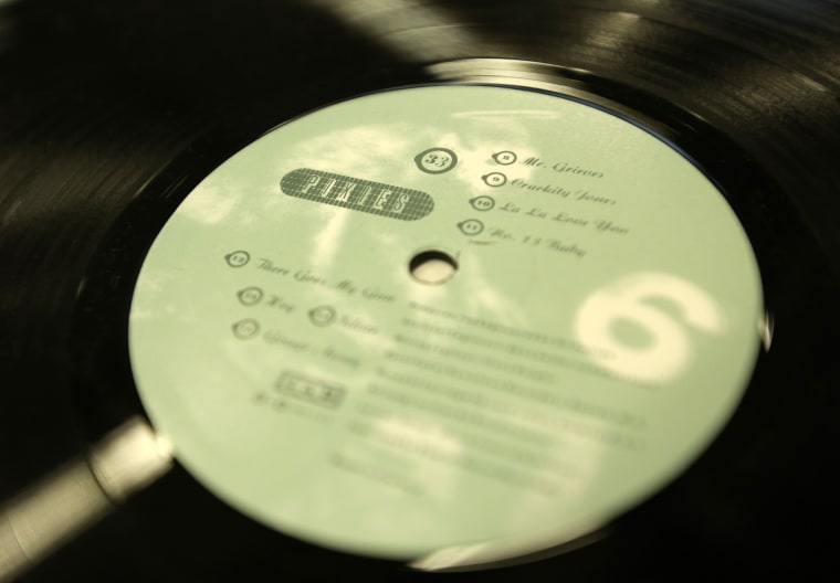 Vinyl Sales And Streaming Revenues Continue To Rise In First Half Of 2015