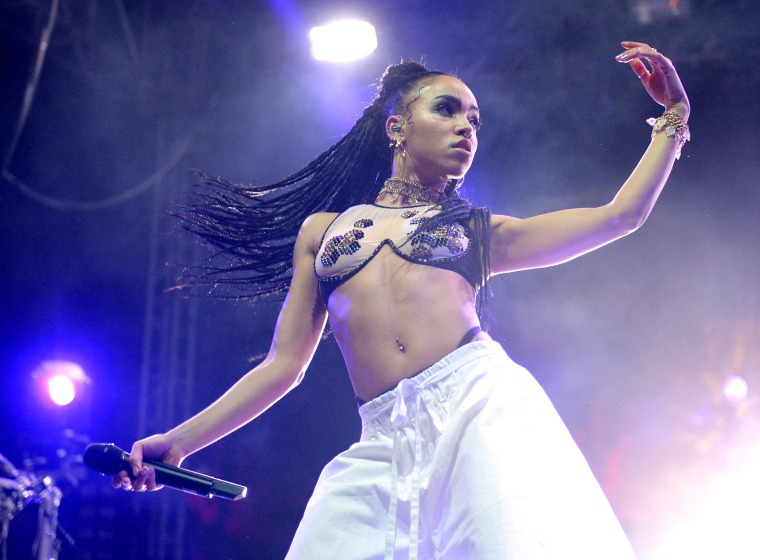FKA twigs announces tour