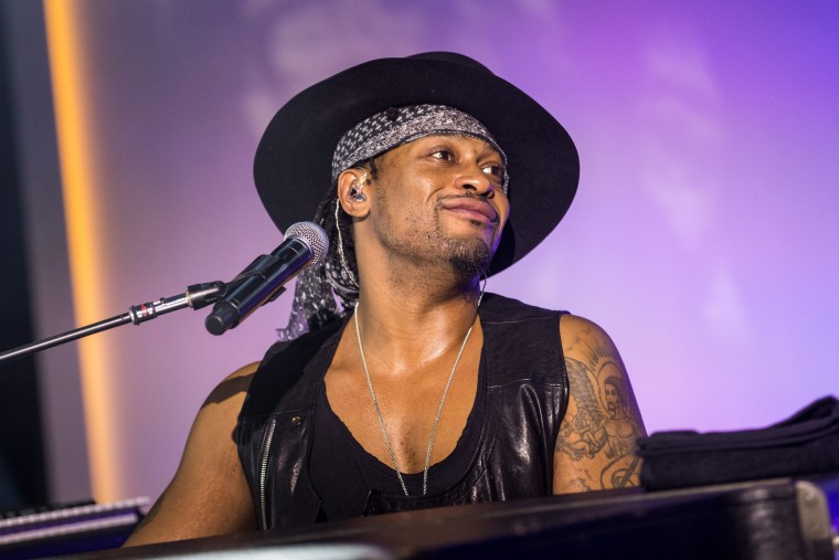D'Angelo Claims More Music Is On The Way