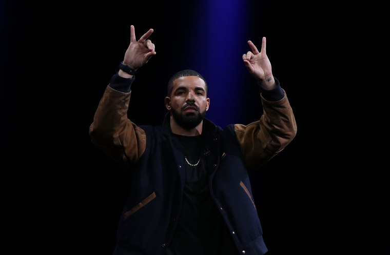 "Drake On Adele's ""Hotline Bling"" Remix Request: ""I'd Do Anything"""