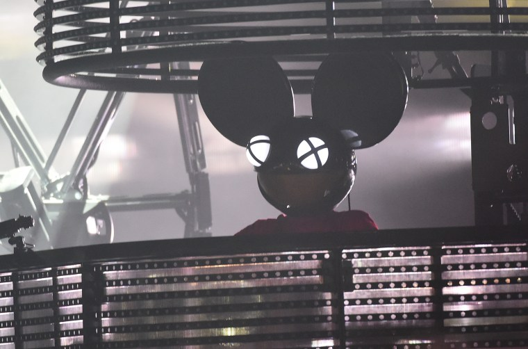 "Deadmau5 Tweets Frustrations Over <i>The New York Time'<""i>' ""Where Are "" Now"" Video"