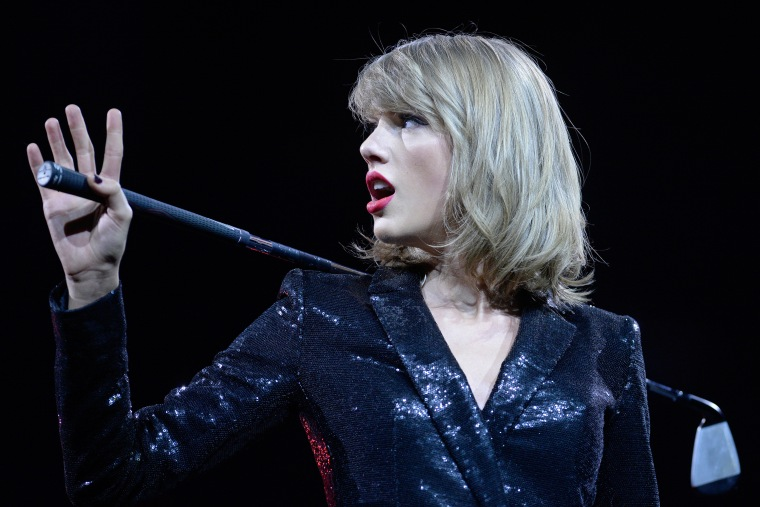 Taylor Swift's <i>1989</i> Will Be Available On Apple Music