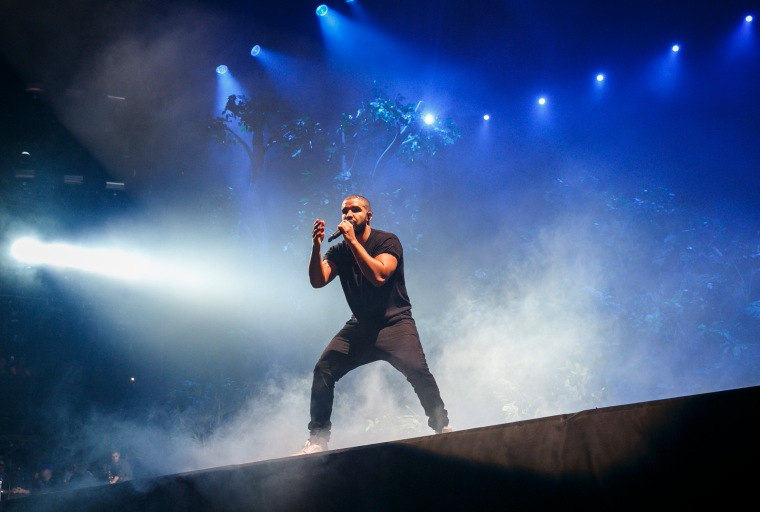 "Drake And Skepta Are Feeling Good Tonight On Wizkid's ""Ojuelegba"" Remix"