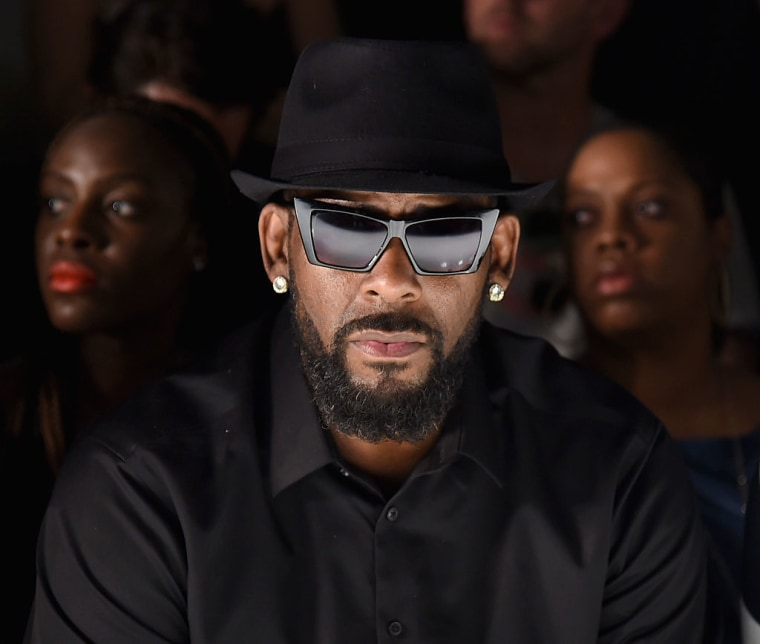 Apple Music and Pandora join R. Kelly playlist purge