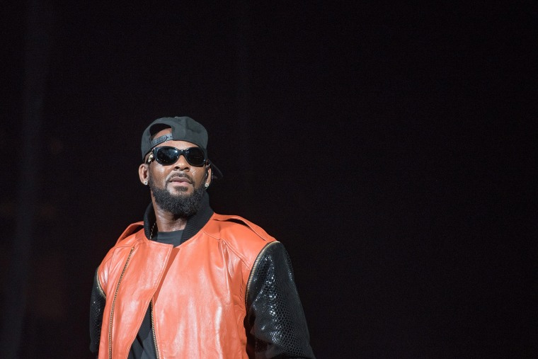 R. Kelly reportedly deletes tour announcement tweet