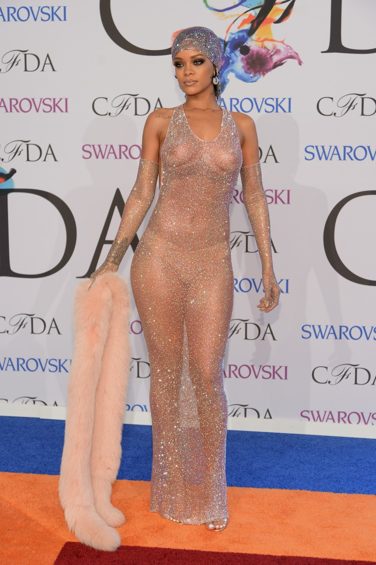 14 Times Rihanna Didn't Need A Bra To Look Fly