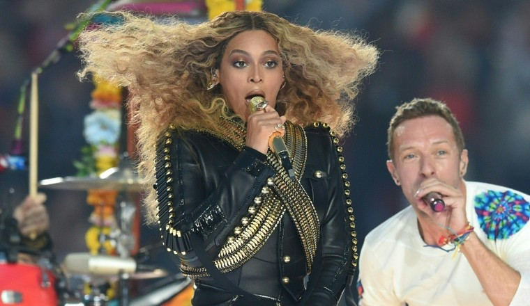 Here's How People Reacted To Beyoncé's Super Bowl Halftime Performance