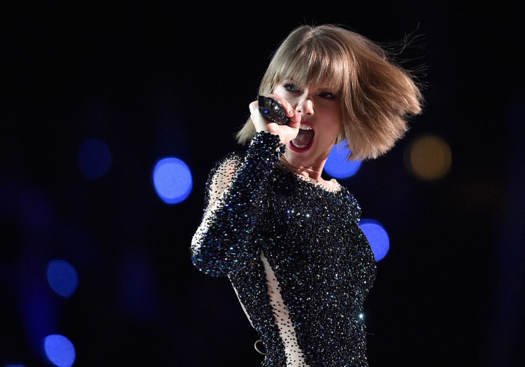 "Taylor Swift Took The Witness Stand In ""Horrifying"" Groping Case"