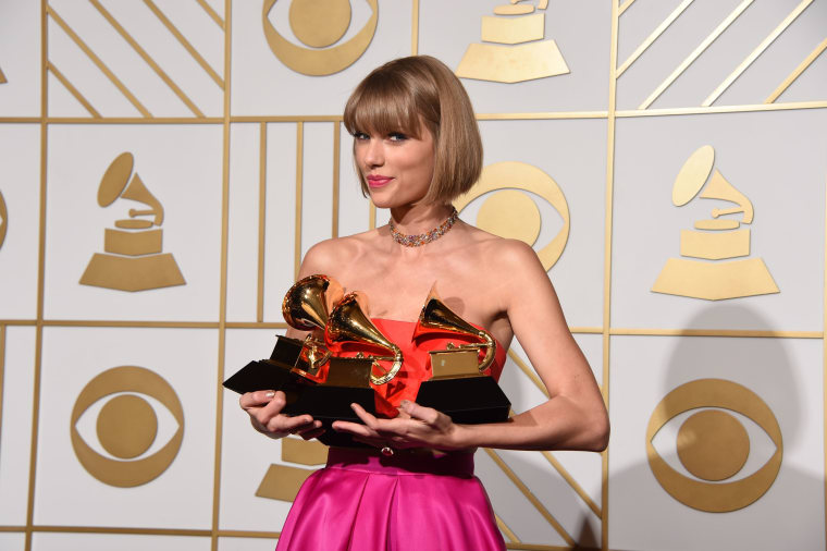 """A Brief History Of The Kanye West And Taylor Swift """"Famous"""" Rift"""
