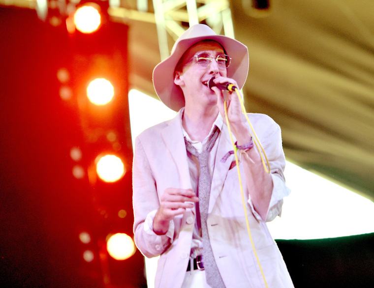 "Deerhunter's Bradford Cox: ""I'm A Virgin At 34 Years Old"""