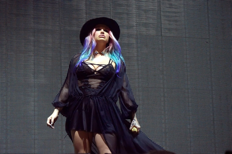 "Watch Kesha Perform ""True Colors"" With Zedd At Coachella"