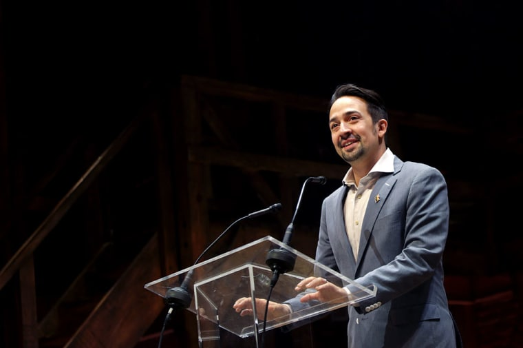 "Watch Lin-Manuel Miranda Perform A Pro-Hillary Clinton Version Of Biggie's ""Ten Crack Commandments"""