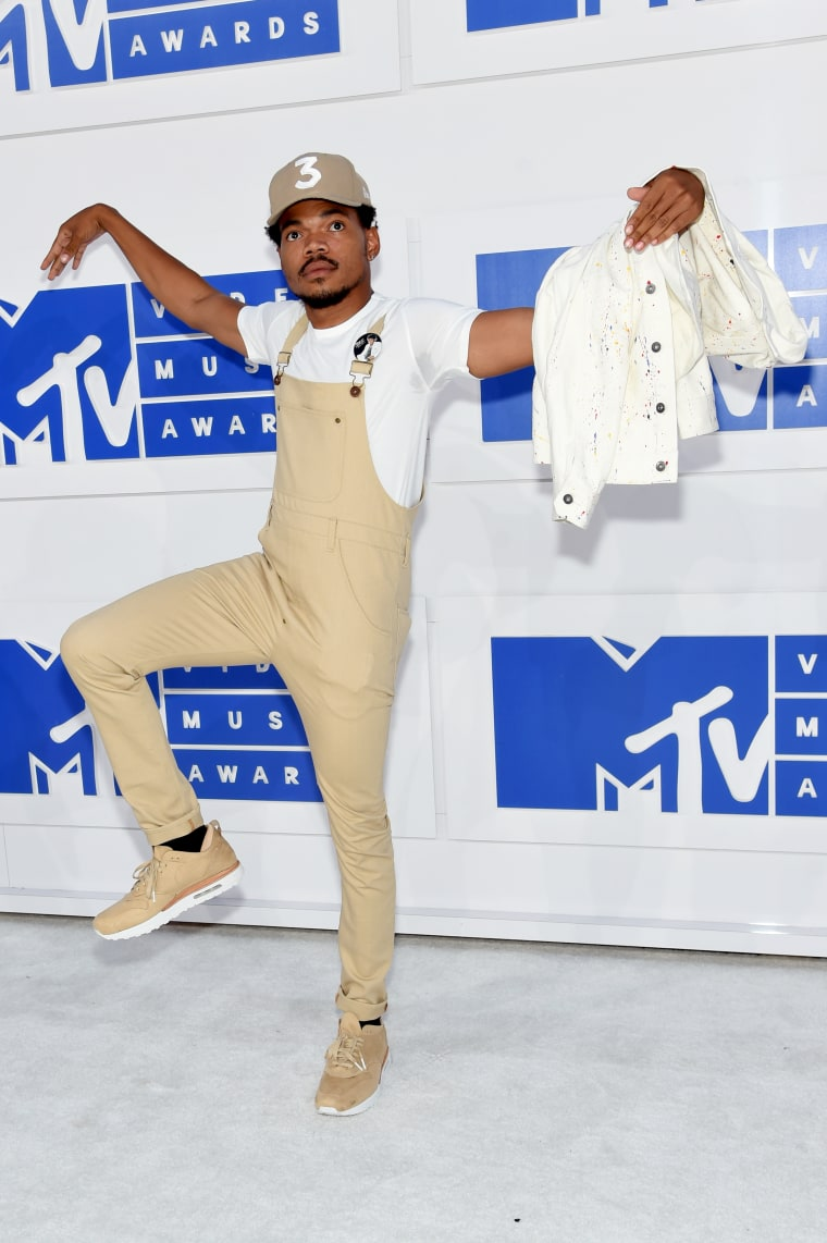 Here Are All The Looks You Need To See From The 2016 VMAs Red Carpet
