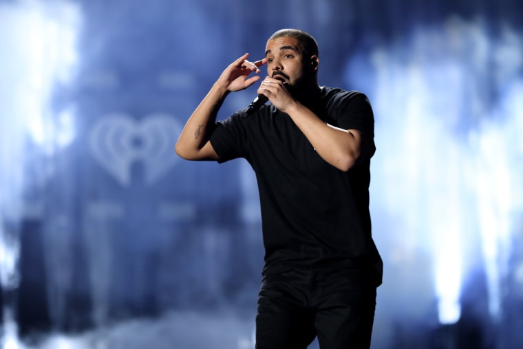 Drake is the first artist to cross 50 billion streams