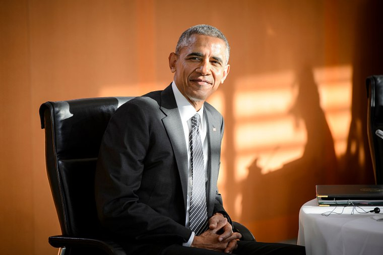 """President Obama Pens Thank You Letter To The American People: """"You Made Me A Better President"""""""