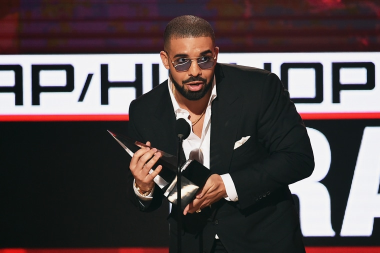 "Drake's ""In My Feelings"" spends second week at No. 1 on Billboard Hot 100"