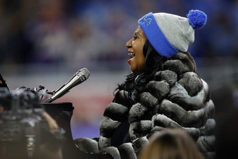 Watch Aretha Franklin Perform The National Anthem On Thanksgiving Day