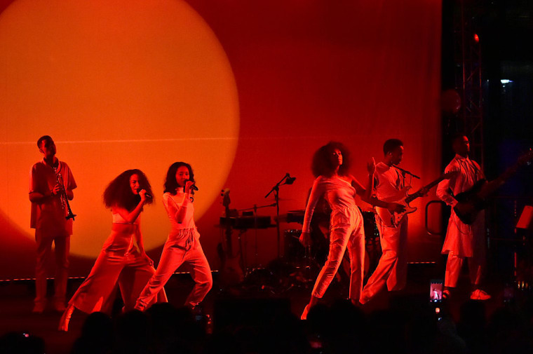 Watch Solange Perform Songs From <I>A Seat At The Table</i> At An Alternative Inauguration Event Called Peace Ball