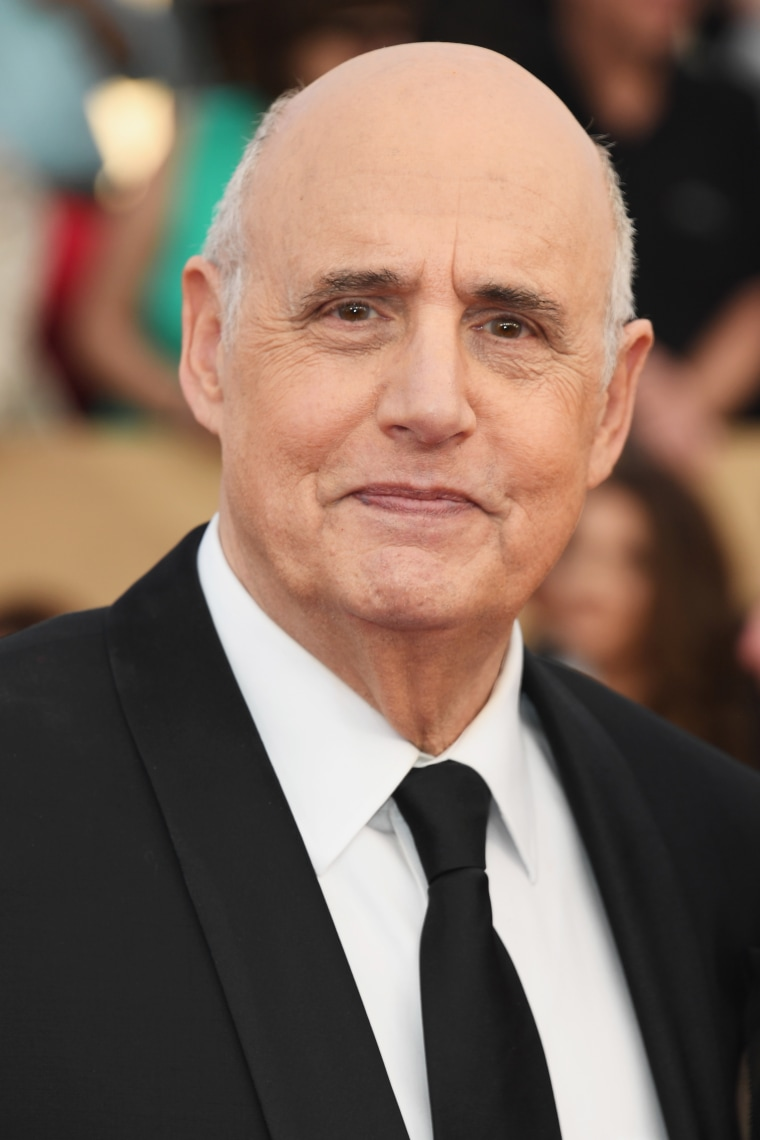 Jeffrey Tambor announces departure from <i>Transparent</i> amidst sexual harassment allegations