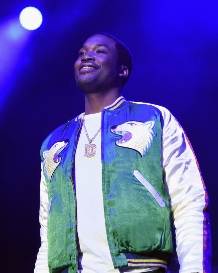 Meek Mill's attorneys ask Pennsylvania Supreme Court to release rapper on bail