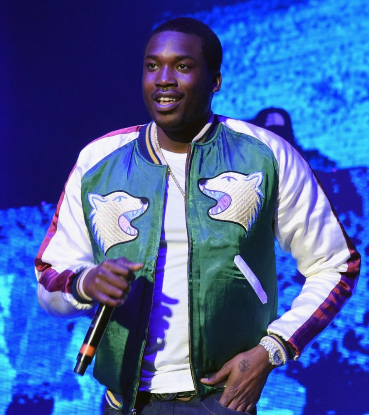 "Philly D.A. doesn't oppose bail for Meek Mill, says ""strong likelihood"" his conviction could be reversed"
