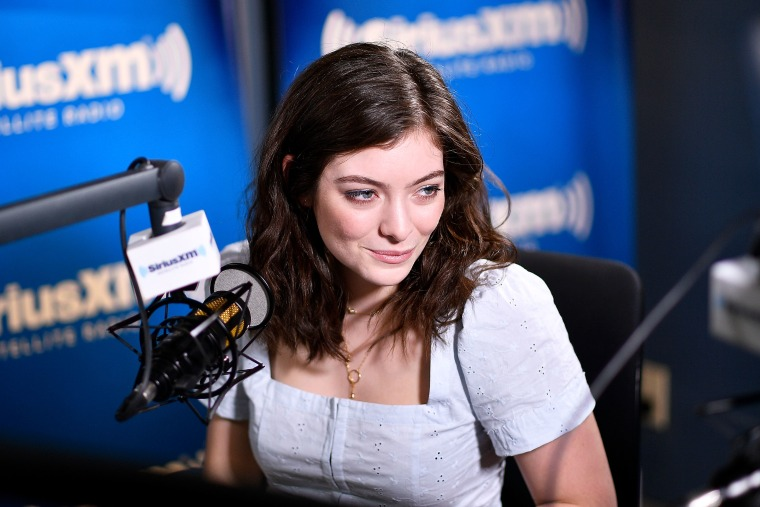 Lorde Posted The Complete Tracklist For Her Upcoming Album