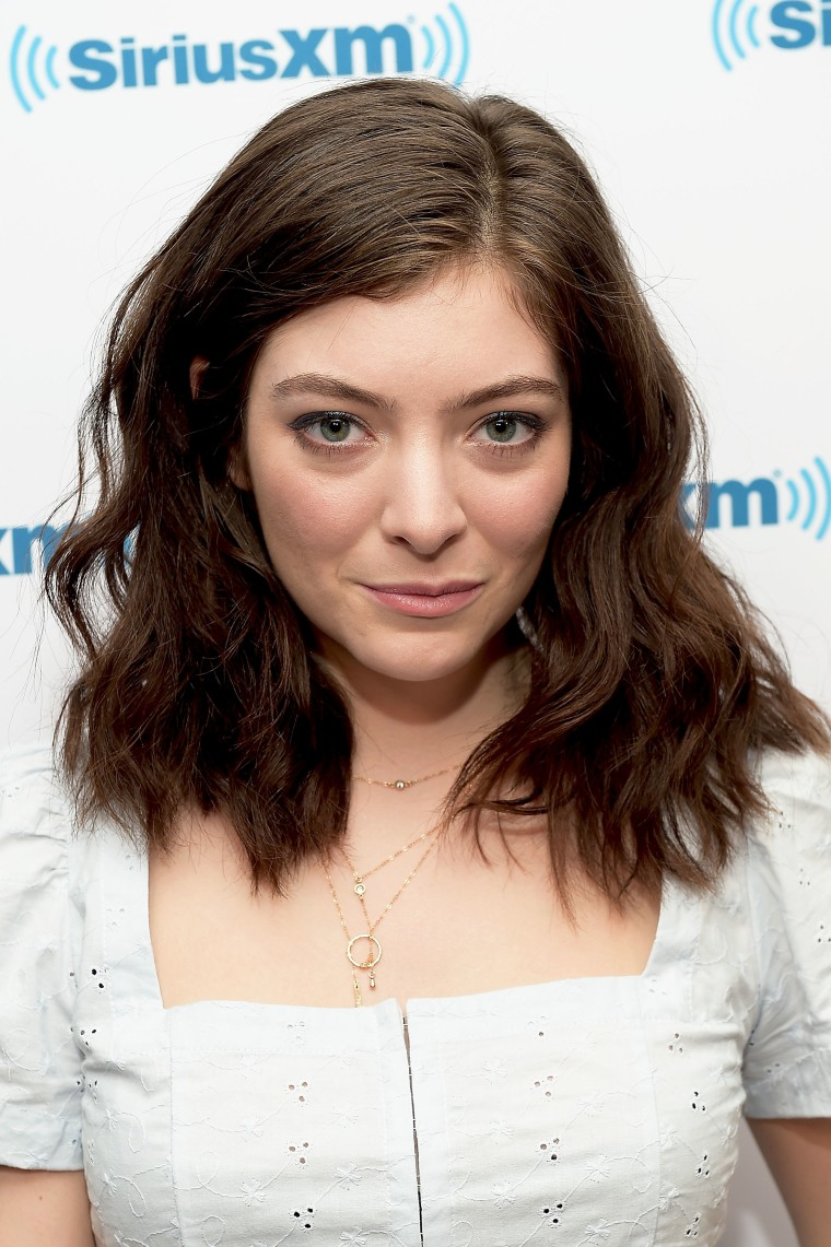 Lorde Calls Out Privileged White People In Response To Nazi Rally In Charlottesville