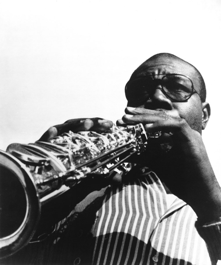 Revered saxophonist Manu Dibango dies after COVID-19 diagnosis