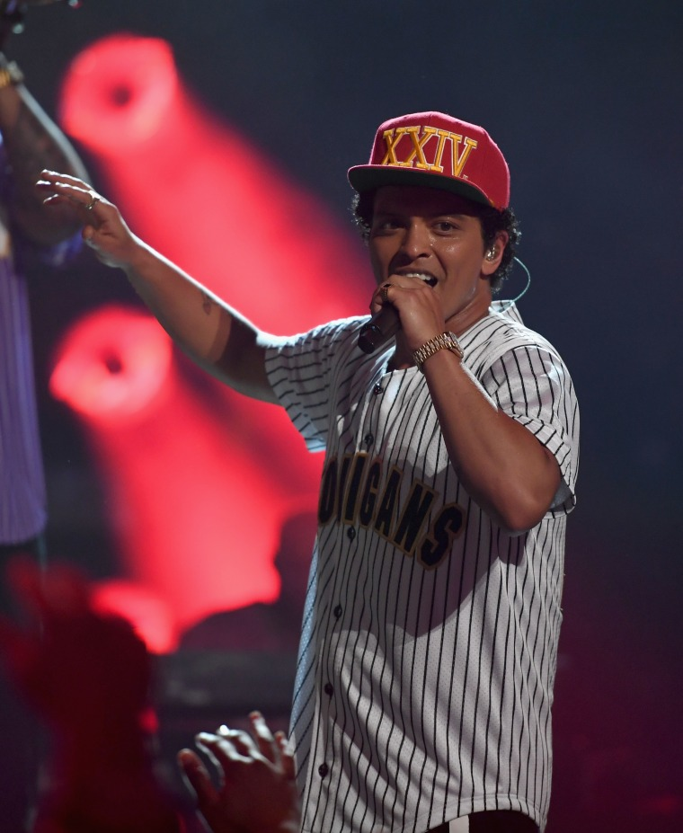 In A Twitter Q&A Bruno Mars Says He Wants To Collab With Chance The Rapper