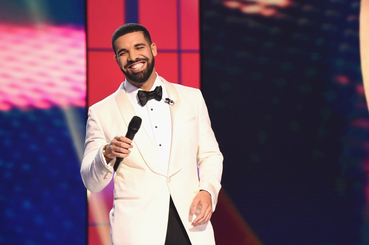 "Drake continues to break streaming records with ""In My Feelings"""
