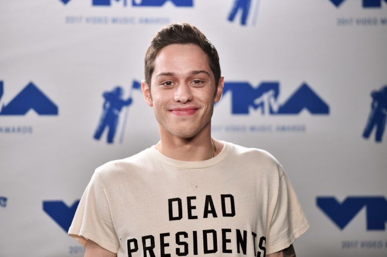 "Pete Davidson praised Ariana Grande on SNL after she released ""thank u, next"""