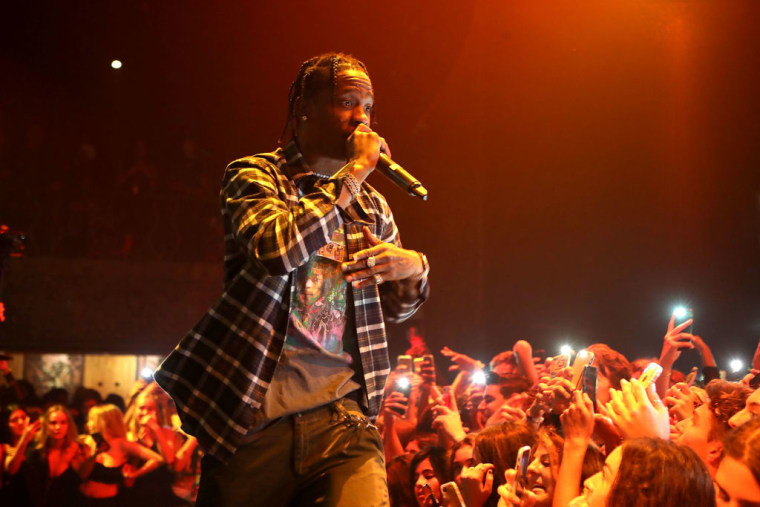 Fan reportedly sues festival over Travis Scott's late performance