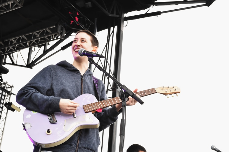 Frankie Cosmos, Vagabon and Algiers to headline benefit show for Brooklyn synagogue