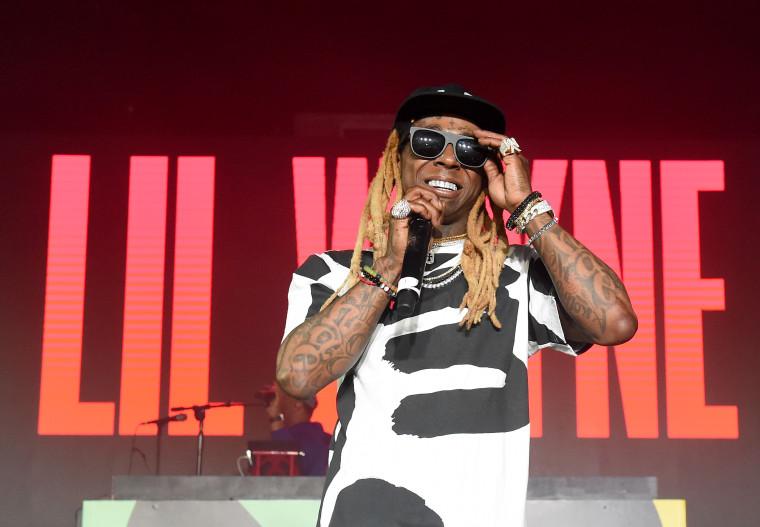 Lil Wayne announces <i>Tha Carter V</i> release date