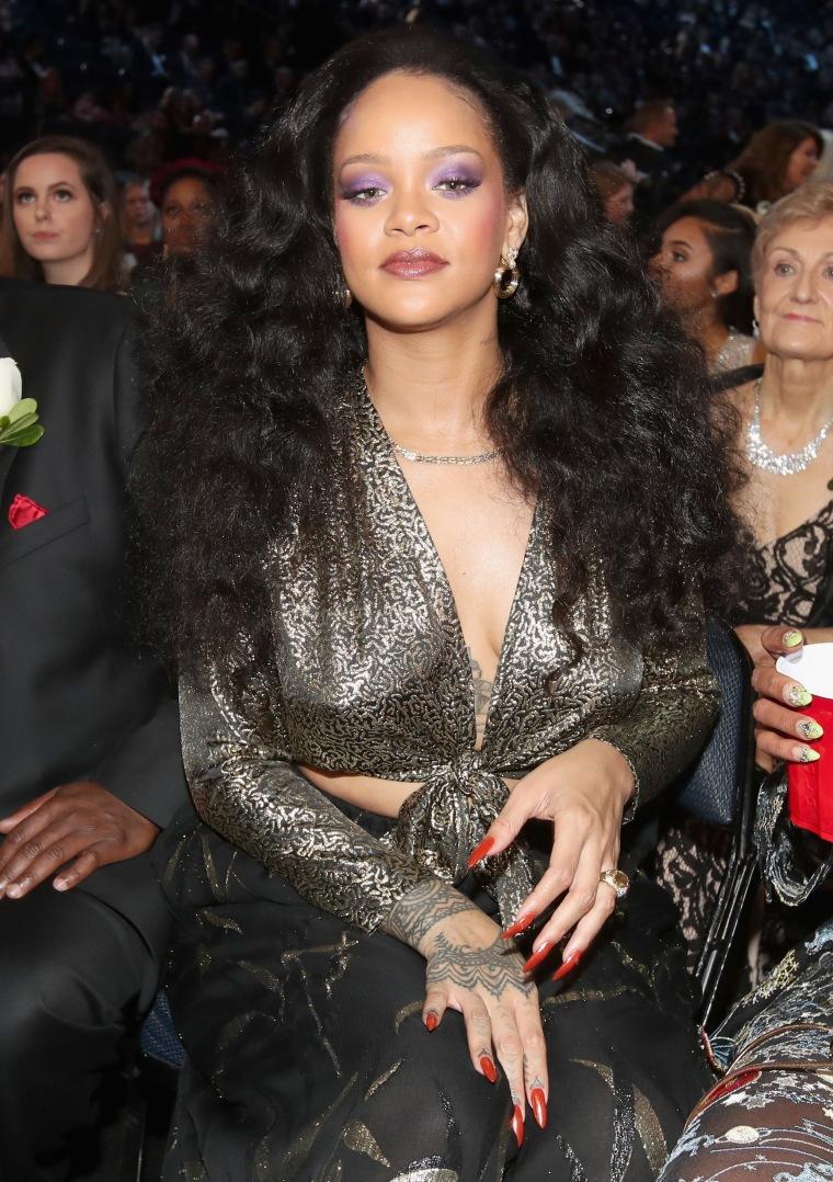 """Rihanna responds to Snapchat's """"slap Rihanna"""" ad"""