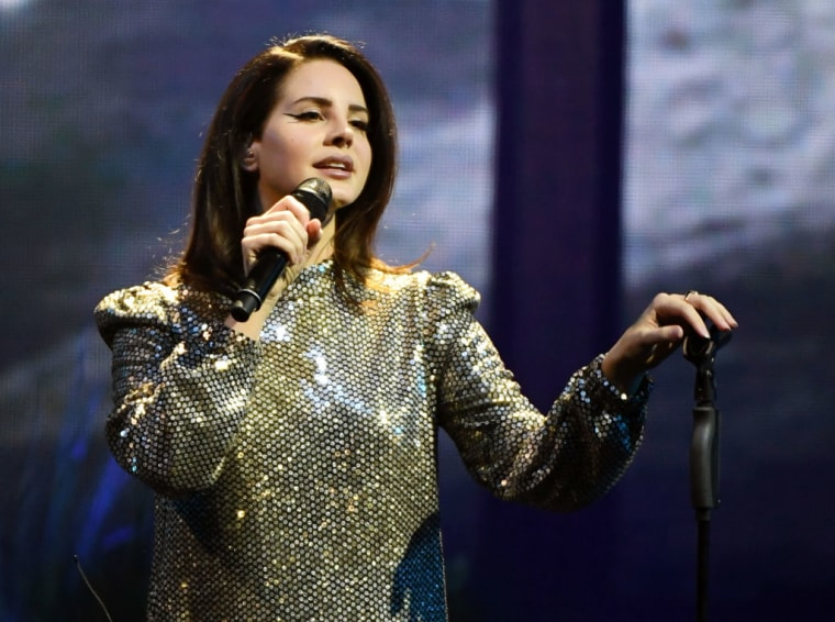 "Listen to Lana Del Rey cover Ariana Grande's ""Break Up with Your Girlfriend, I'm Bored"""
