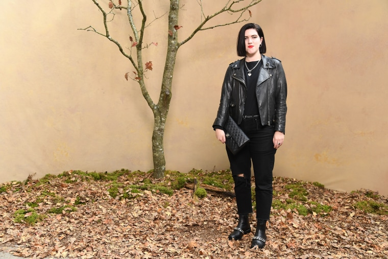 "The xx's Romy Madley Croft confirms solo album, debuts new song ""Weightless"""
