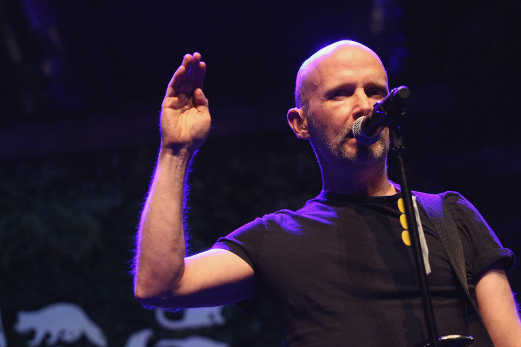 """Moby cancels book tour, announces """"I'm going to go away for awhile"""" after Natalie Portman dating dispute"""