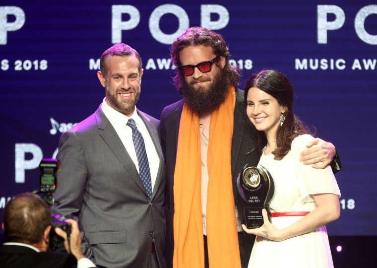 Watch Father John Misty cover Lana Del Rey at ASCAP Pop Music Awards