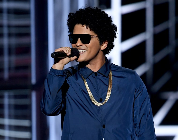 Bruno Mars is bringing Ella Mai, Ciara, Boyz II Men and Charlie Wilson on tour