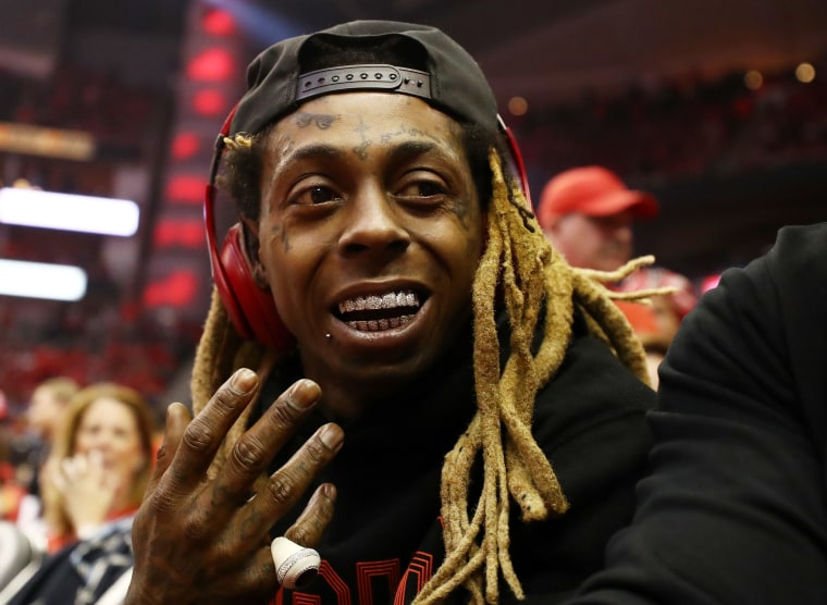 Lil Wayne cuts show short after gunshot rumor causes panic