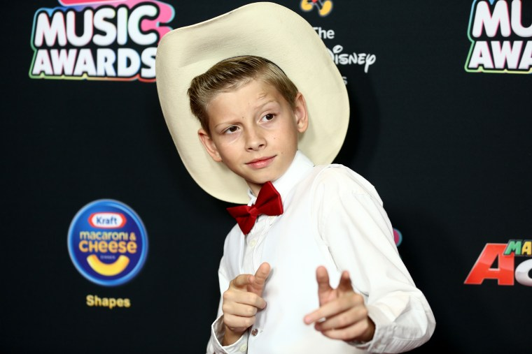 Mason Ramsey releases his debut EP <i>Famous</i>